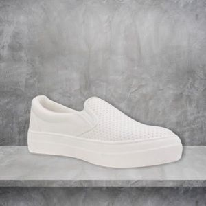 NEW Croft White Pinhole Platform Fashion Sneakers